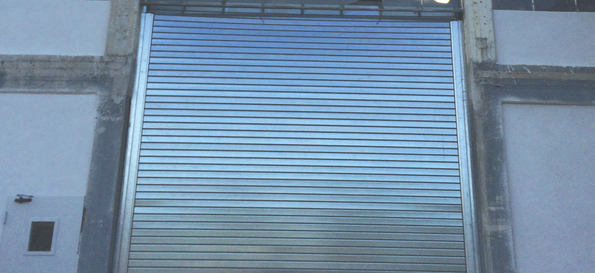 F120 Roller shutter made of galvanized steel, 0,5mm to 1,5mm thick, 120mm wide.
