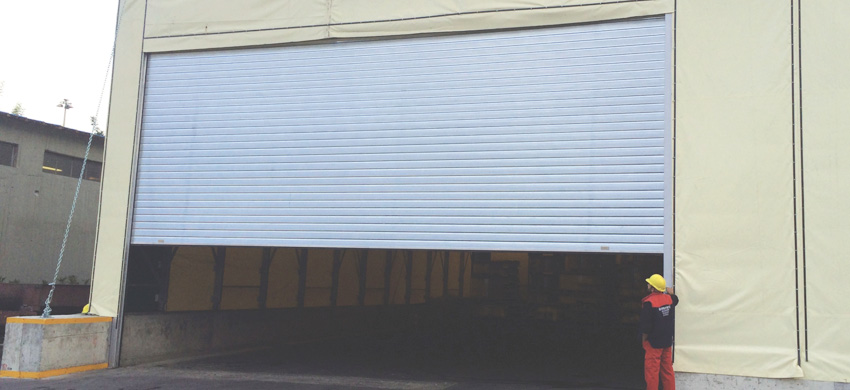 F140 Roller shutter made of pre-painted aluminum panel, 0,6mm thick and 140mm wide or galvanized steel, 0,5mm thick and 140mm wide.