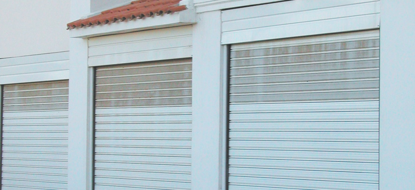 Combination of G10 and G40 perforated. A smart solution for garage brightness and ventilation.
